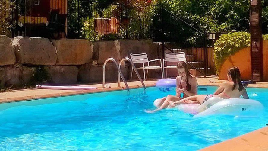Villa tourasse mini vakantiepark drie g tes met for Mini zwembad